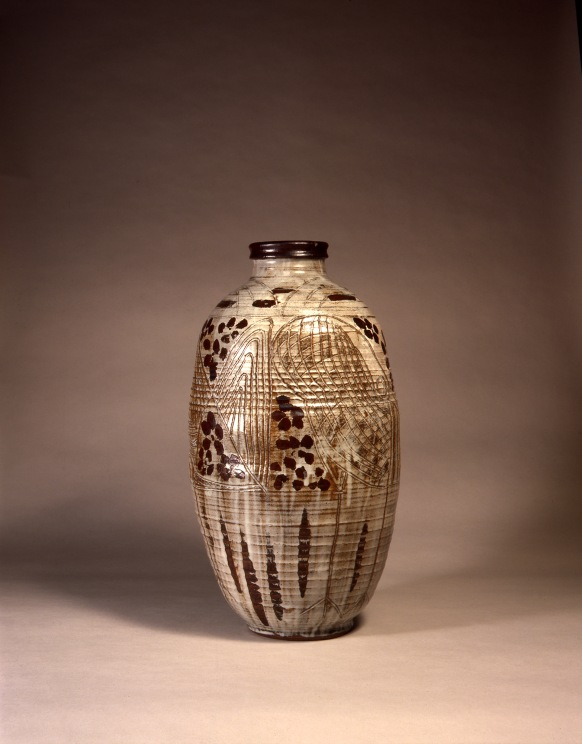 William Staite Murray, Persian Garden, 1931, Stoneware Jar, H 56.5 cm, D 30.5 cm, © York Museums Trust (York Art Gallery)