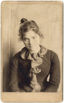 Emily Carr in San Francisco, age 21 or 22, c. 1893, Image H-02813, courtesy of the Royal BC Museum, BC Archives