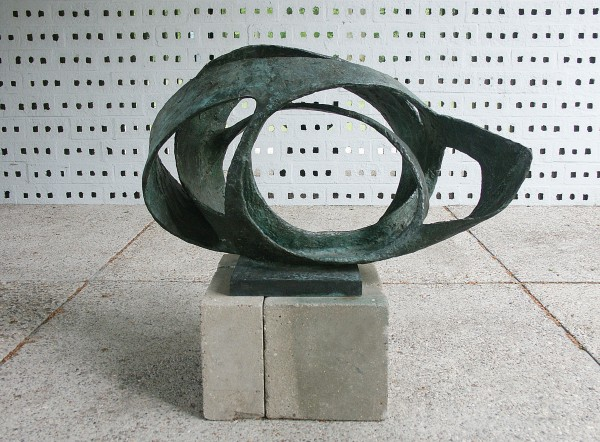 Barbara Hepworth, Oval Form (Trezion) 1961-63 Bronze Aberdeen Art Gallery and Museums Collections Photograph courtesy The Kröller-Müller Otterlo, The Netherlands. Photograph by Mary Ann Sullivan, Blufton University © Bowness