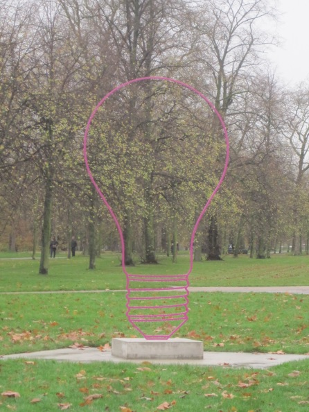 Lightbulb (magenta) (2015) by Michael Craig-Martin
