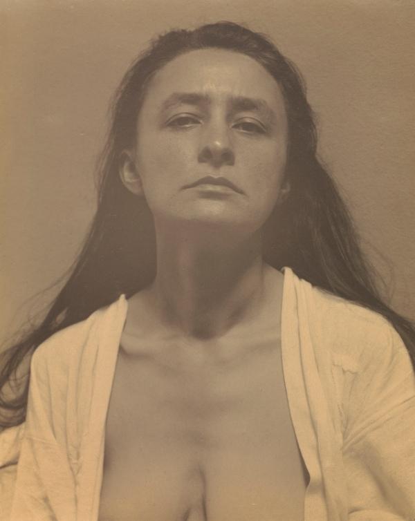 Georgia O'Keeffe by Alfred Stieglitz (1918) The J. Paul Getty Museum, Los Angeles ©The J. Paul Getty Trust