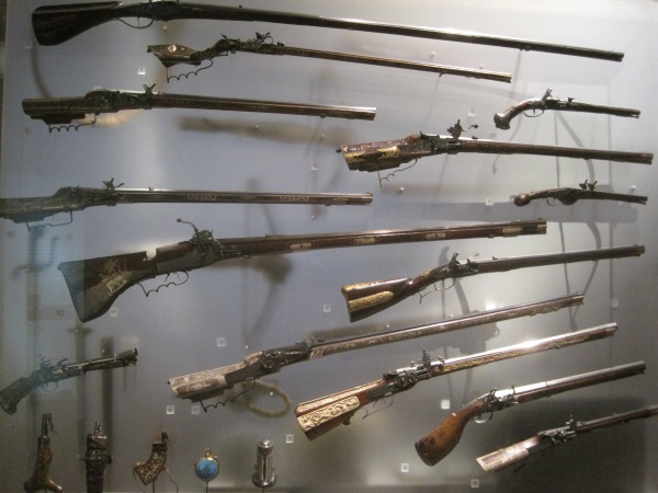 Case of 17th century muskets