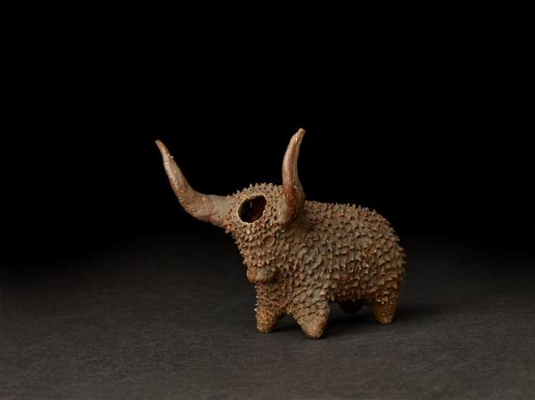Xhosa snuffbox in the shape of an ox, South Africa (Late 19th Century) © The Trustees of the British Museum