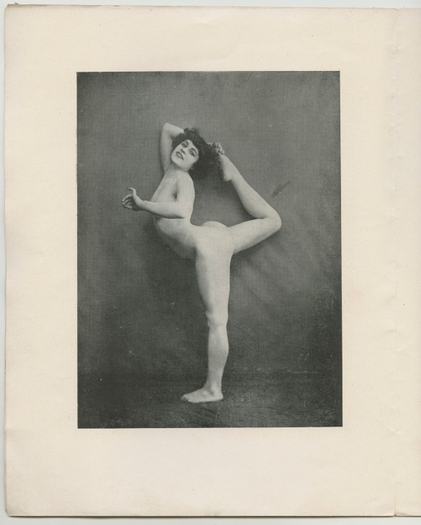 Le nu académique Journal of 1905 showing the newly discovered photos of Alda Moreno in the pose of 'Dance Movement A'.(30 June) 1905 © Agence photographique du musée Rodin - Pauline Hisbacq