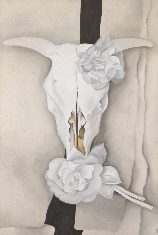 Cow's Skull with Calico Roses (1931) by Georgia O'Keeffe. Photo Alfred Stieglitz Collection. The Art Institute of Chicago / (c) Georgia O'Keeffe Museum / DACS 2016