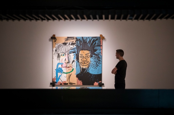 Dos Cabezas (1982) by ean-Michel Basquiat. Photo © Tristan Fewings/Getty Images. Artwork © The Estate of Jean-Michel Basquiat. Licensed by Artestar, New York