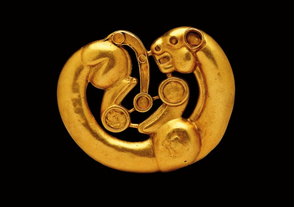 Gold plaque in the shape of a coiled panther (4th–3rd century BC) Siberian Collection of Peter the Great © The State Hermitage Museum, St Petersburg, 2017. Photo: V Terebenin