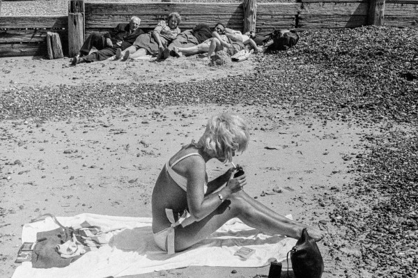 Herne Bay, Kent 1963 © David Hurn / Magnum Photos