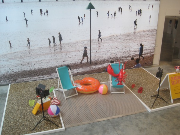 Installation photo of the selfie set outside the Great British Seaside (photo by the author)