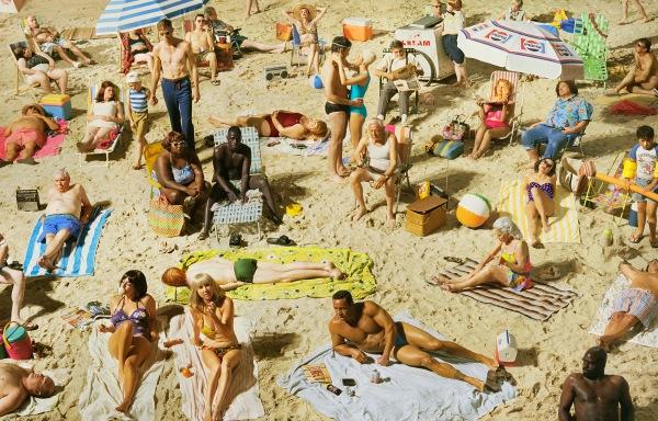 Crowd #3 (Pelican Beach), 2013 © Alex Prager Studio and Lehmann Maupin, New York and Hong Kong. Courtesy Alex Prager Studio, Lehmann Maupin, New York and Hong Kong