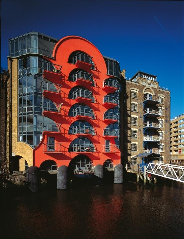 CZWG Architects, China Wharf, London (1988) Photo by John and Jo Peck