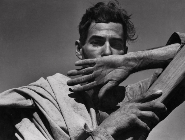 Migratory Cotton Picker, Eloy, Arizona, 1940 by Dorothea Lange © The Dorothea Lange Collection, the Oakland Museum of California