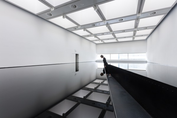 Installation view of 20:50 by Richard Wilson (1987) at Space Shifters © the artist. Photo by Mark Blower
