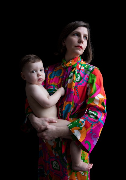 Portrait of Marta Weiss and her daughter Penelope from the series Artfully Dressed: Women in the Art World by Carla van de Puttelaar 2017 © Carla van de Puttelaar