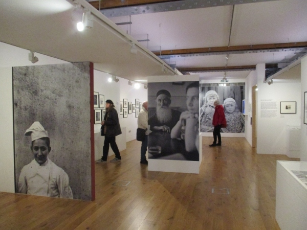 Installation view of Roman Vishniac Rediscovered at the Jewish Museum, London