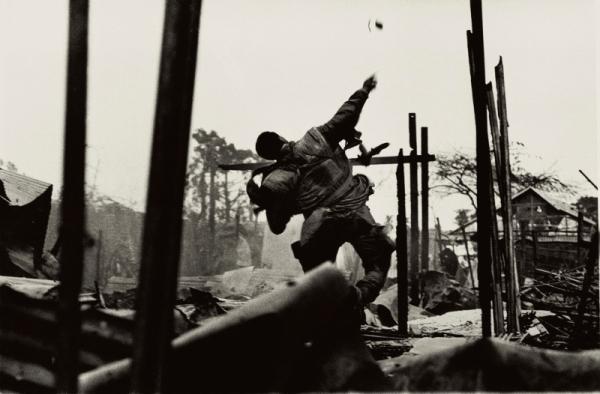 Grenade thrower, Hue, Vietnam (1968)