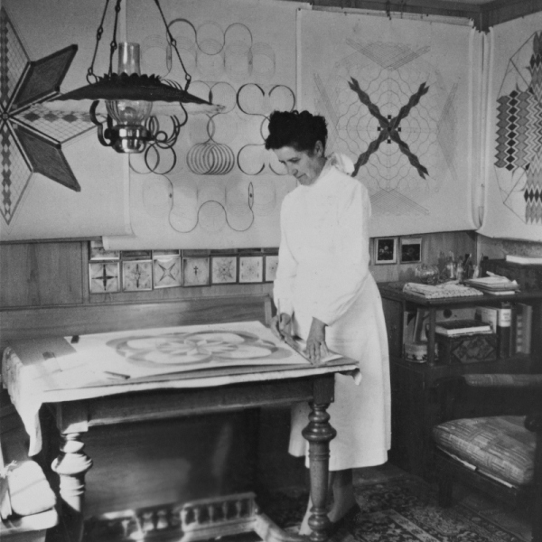 Emma Kunz at her working table, Waldstatt, 1958. Photo © Emma Kunz Zentrum